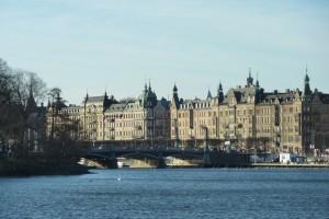 Die Brücke verbindet die Innenstadt mit Djurgården.