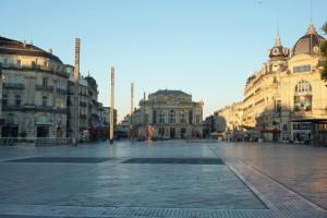 Place de la Comedie - das Zentrum von Montpellier morgens um 7. Vom Standpunkt aus etwa 100 m entfernt durfte ich wohnen.