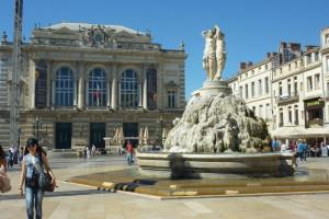 Statue und Oper vom Place ...